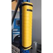 Le PLASTROCHOC est une protection en PEHD qui se fixe directement sur le montant d'échelle à protéger grâce à deux colliers nylon. Il existe 4 références différentes selon la largeur du montant à protéger.