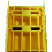 Le PLASTROCHOC est une protection en PEHD qui se fixe directement sur le montant d'échelle à protéger grâce à deux colliers nylon. Il existe 4 références différentes selon la largeur du montant à protéger. Sa structure est alvéolaire.